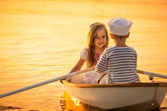 ..Nek mi tvoje oci govore...kojim putem da  u tvoje srce uplovim....da tvoju dusu zagrlim..tvoje lijepe usne poljubim...sami ti ja  na moru ljubavi..