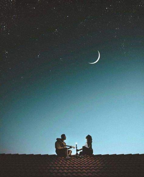 Divno je znati da si nečije sve. Bez igre, bez prijevare. Da si nečija ljubav, jedina, neprolazna. Lijepo je osjetiti toplinu zagrljaja,  u nečije osjećaje umotana.  I djela, da si mu važna. Najvažnija. I da je On, netko tvoj. Netko, tko će uvijek lijepu riječ  i ljubav za tebe imati. Divno je znati da nekome pripadaš. I da ti taj netko, istom mjerom uzvraća. I da si baš Ti njemu, onaj dio koji nedostaje. I da je baš On tvoj zrak, bez kojeg disati  ne možeš.
